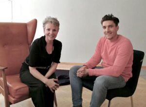 Paartherapeutin Julia Bellabarba im Gespräch mit Daniel Drachenberg in ihrer Praxis in Berlin Mitte