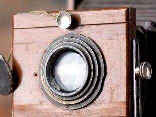 Filmkamera als Motto-Bild für filmische Interviews der Berliner Paartherapeutin Julia Bellabarba